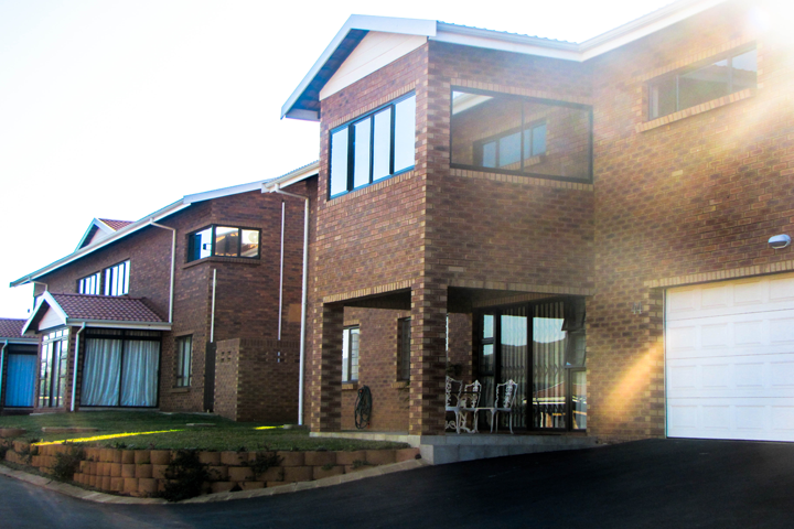Lakeview Lifestyle Village - Retirement Village for active over 50's